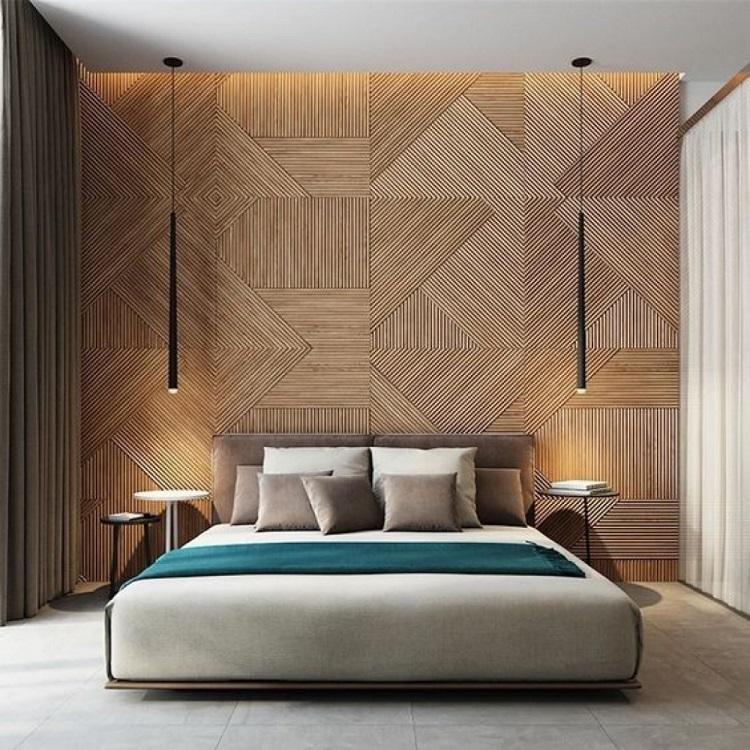 Giấy dán tường giả gỗ với màu sắc trầm ấm, tạo không gian ấm cúng.